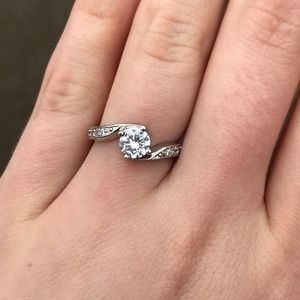 Jewelry - 5/$15 Cubic Zirconia ring size 6 stamped 18kgp